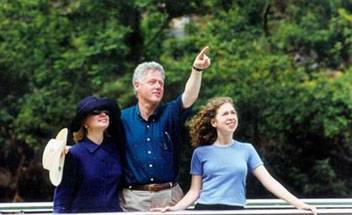 President Bill Clinton and his family