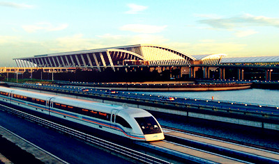 top things to do in shanghai: The Shanghai Maglev