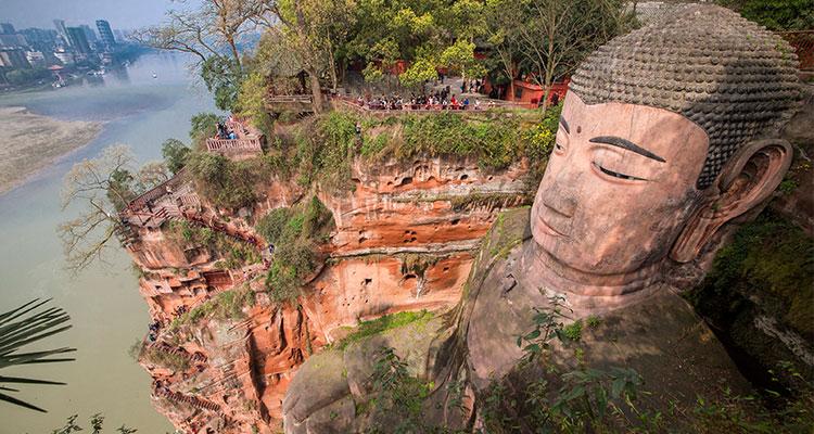 the Giant Buddha in Leshan