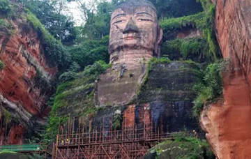 One-Day Buddhist Highlights Tour with Leshan Giant Buddha