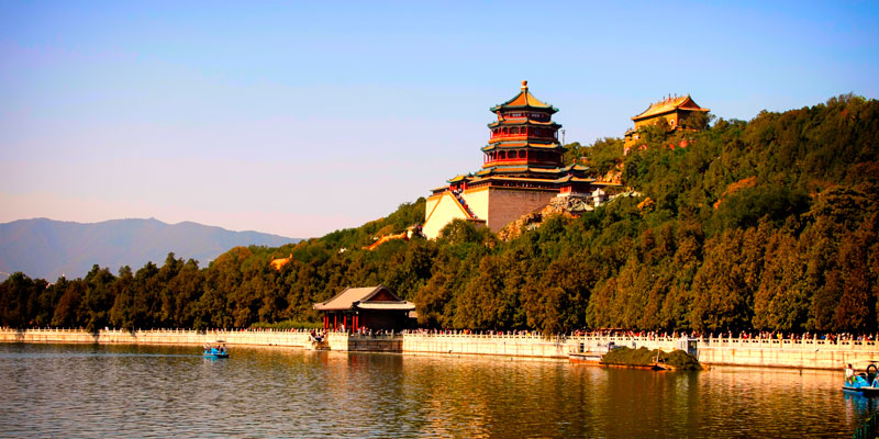 Enjoy the beautiful lake view in the Summer Palace