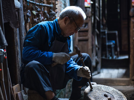 Craftsman in Daxu Ancient Town