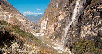 Tiger Leaping Gorge Trekking