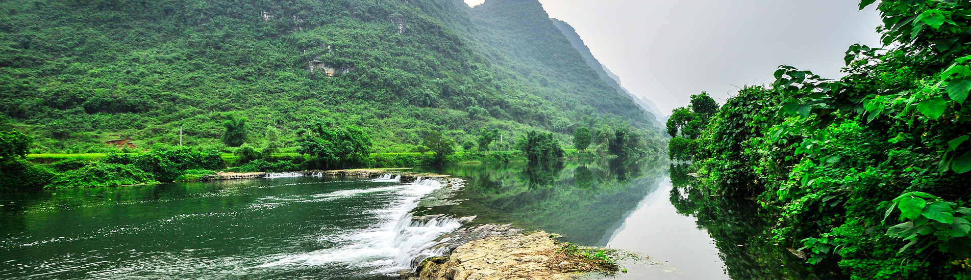 Yangshuo countryside scenery, the Yulong River