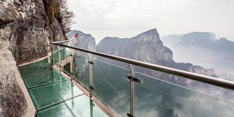 Glass skywalk at Tianmen Mountain
