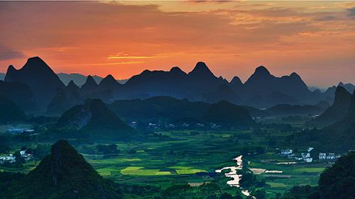 Nous choisissons pour vous les moments idéaux pour capturer toute la splendeur des paysages chinois