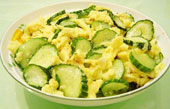 Scramble Eggs with Cucumber