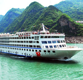 China July destionation, the Yangtze River cruise